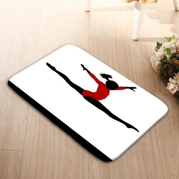 alfombra para la puerta con figura de gimnasta